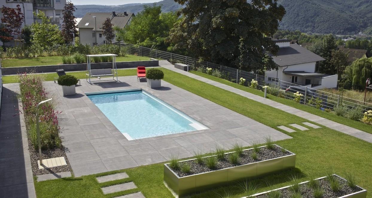 Exclusieve tuin met zwembad Duitsland (2)
